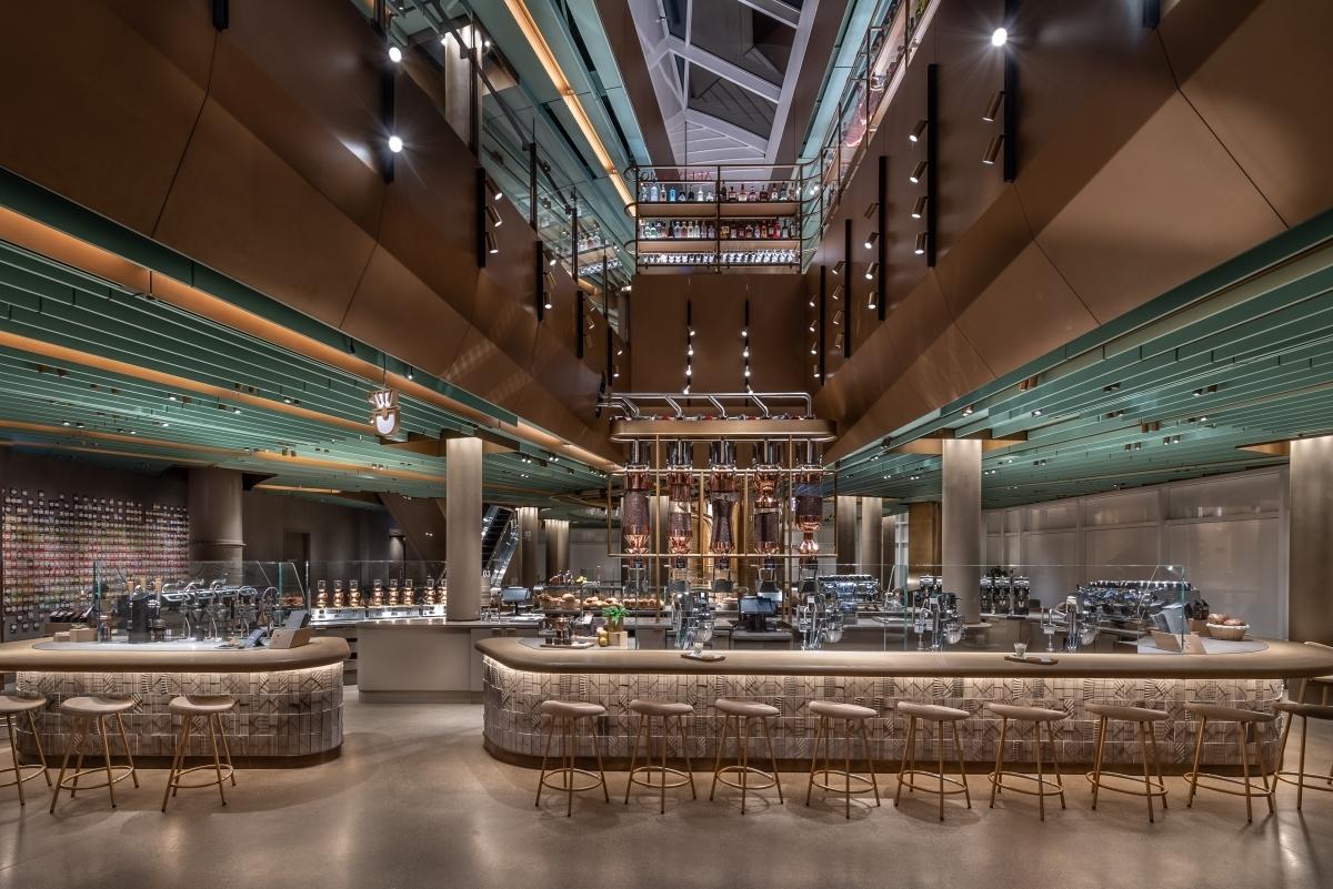 Abriu a maior Starbucks do mundo em Chicago