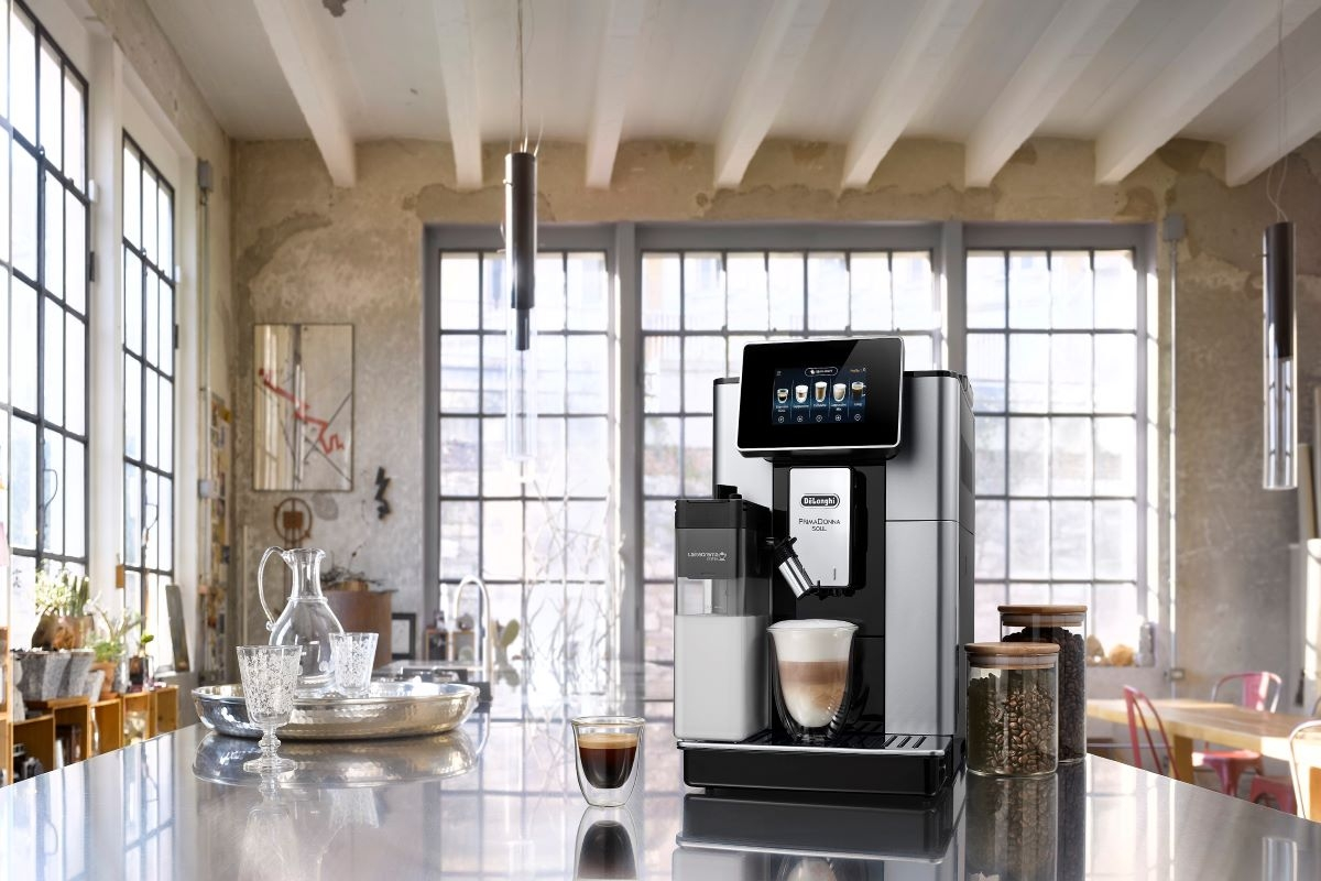 A De'Longhi apresenta a inovadora máquina de café automática, a Primadonna Soul.